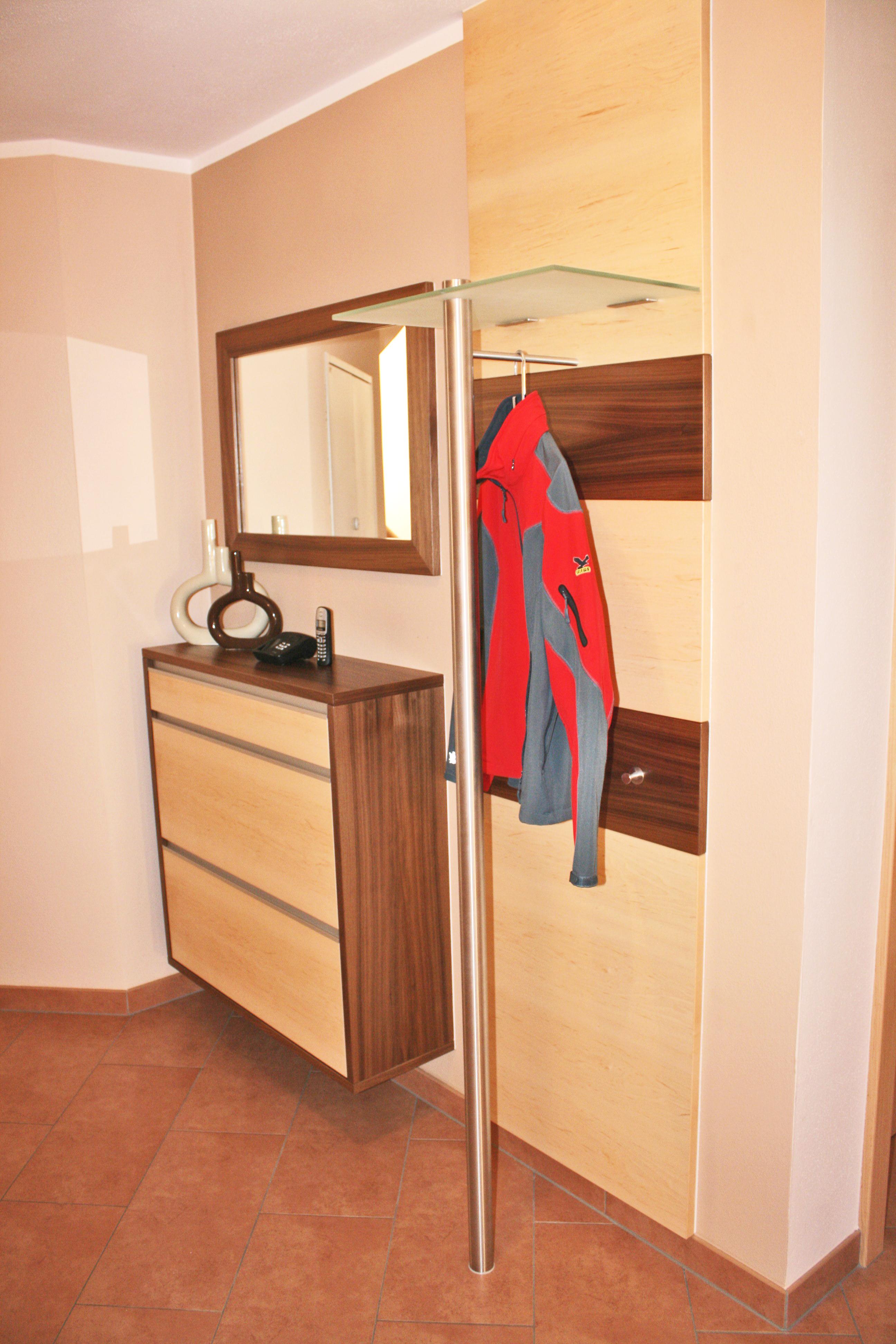 Garderoben tischlerei huber for Garderobe 2 m breit